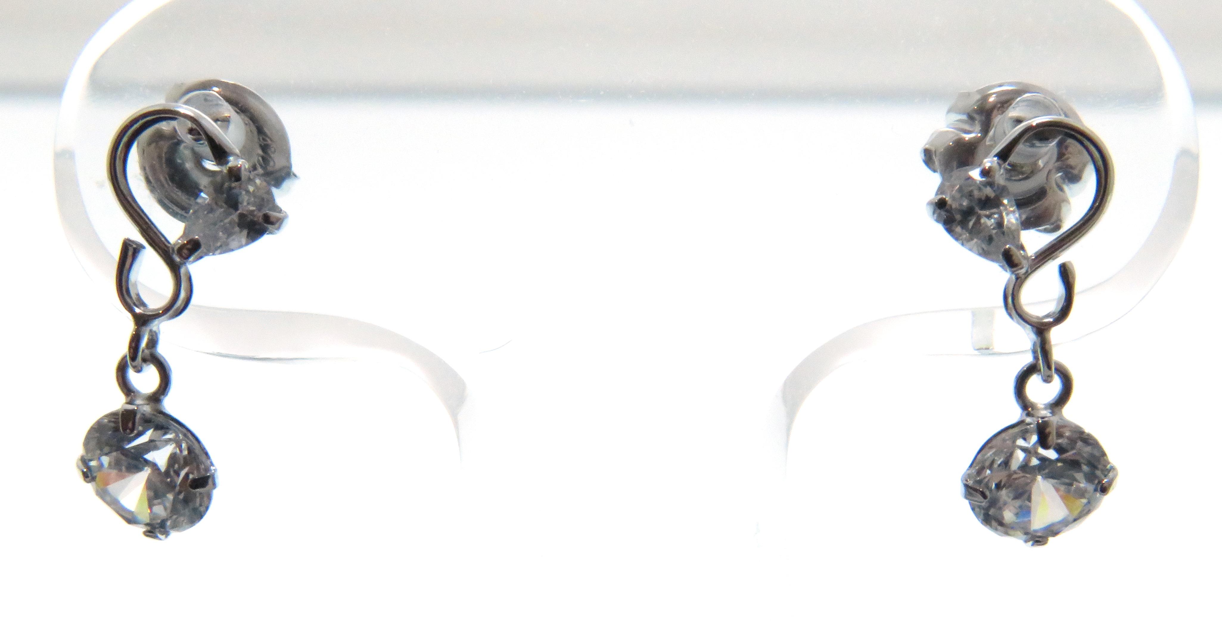 canal 4℃ カナルヨンドシー キュービックジルコニアピアス K10ホワイトゴールド キュービックジルコニア 全体重量約0.6g 【205】