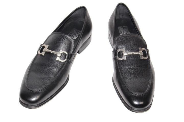 Salvatore Ferragamo フェラガモ 革靴 ローファー メンズ8ハーフ 約26.5cm ブラック レザー 66735 (2148103331268)【200】