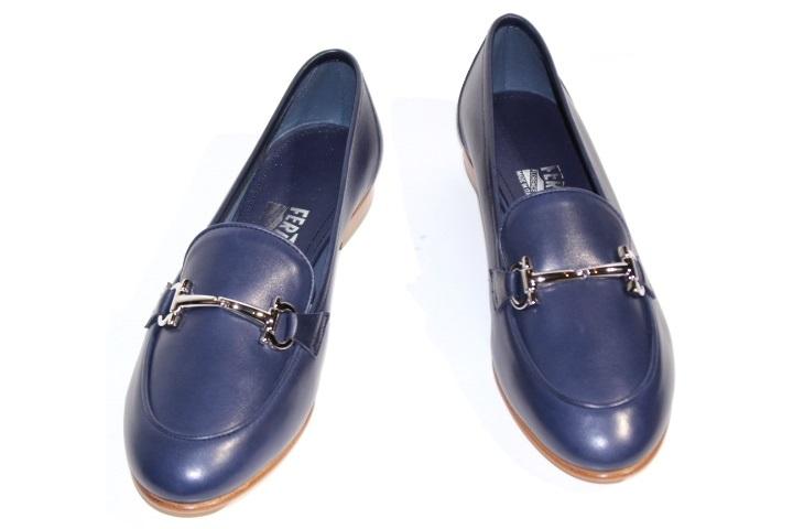 Salvatore Ferragamo フェラガモ ローファー 革靴 レディース8ハーフ  ネイビー レザー 2148103244315【200】